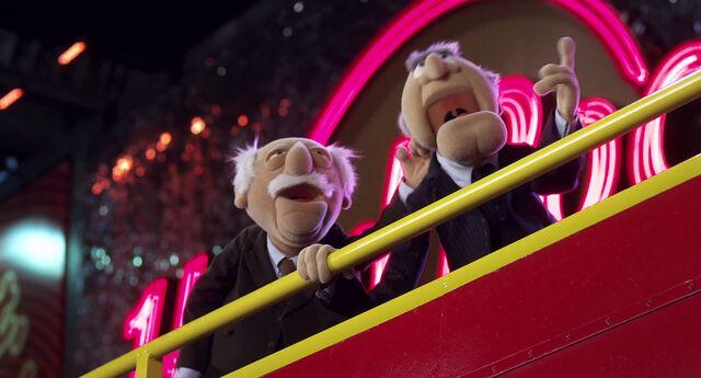 File:Muppets2011Trailer01-1920 57.jpg