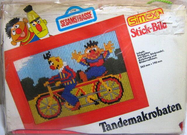 File:Simex 1988 stick-bild germany sesamstrasse ernie bert.jpg