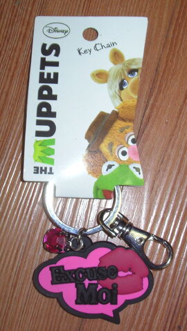 File:Hanover accessories excuse moi keychain.jpg