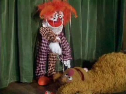 File:508-dancing clown.jpg