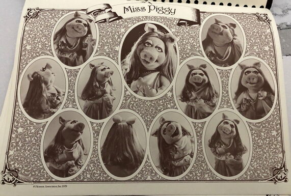 File:TMS STYLE GUIDE miss piggy.JPG