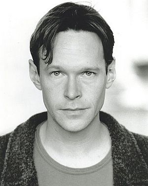 File:Stevenmackintosh.jpg