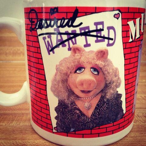 File:1989 WANTED mug Piggy.jpg