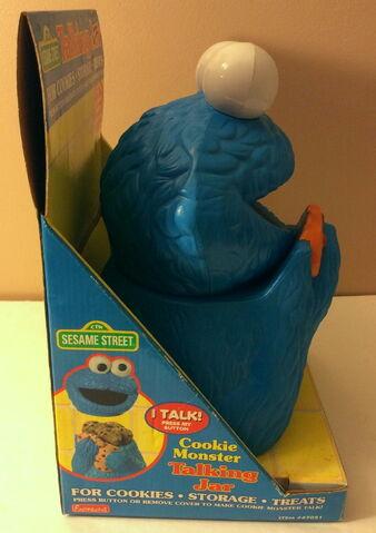 File:Funomenon 1998 cookie monster talking jar 3.jpg