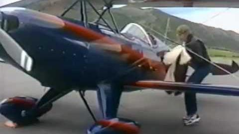 Rowlf and John Denver in a plane