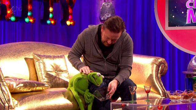 File:Drunk Constantine is nursed by Ricky Gervais.jpg