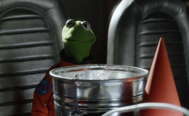File:Pigs In Space - Kermit.jpg