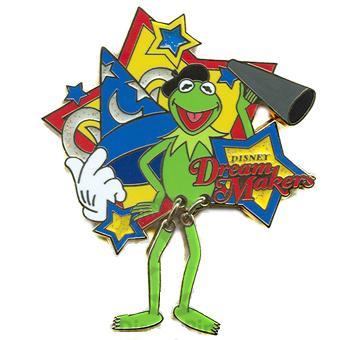 File:Kermitdisneydreammakerspins.JPG