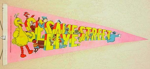 File:1980 sesame street live pennant.jpg