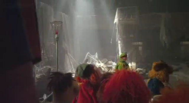 File:The Muppets Face One Big Problem Promo (9).png