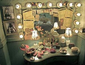 Piggy's dressing room final