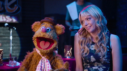 TheMuppets-S01E05-Fozzie&Becky