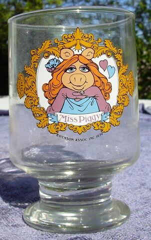 File:Ravenhead piggy glass.jpg