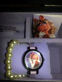 Fossil limited edition miss piggy watch 2