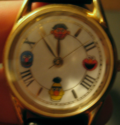 File:Fossil sesame street general store exclusive faces watch.png