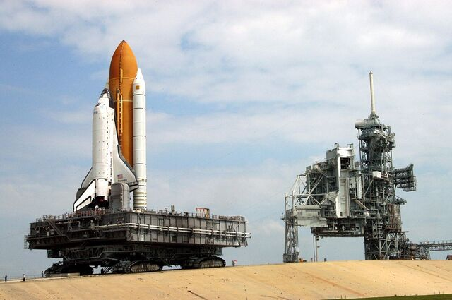 File:STS-114 rollout.jpg