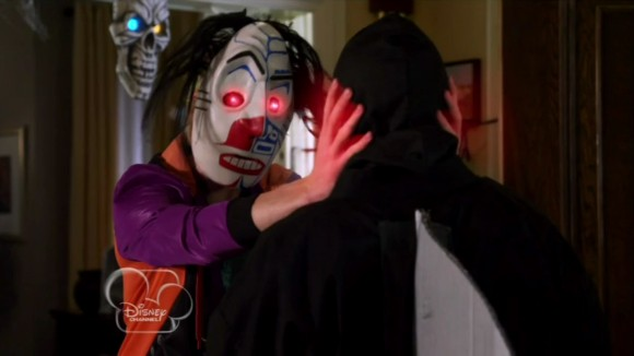 File:Halloweird-Rory wearing the mask.jpg