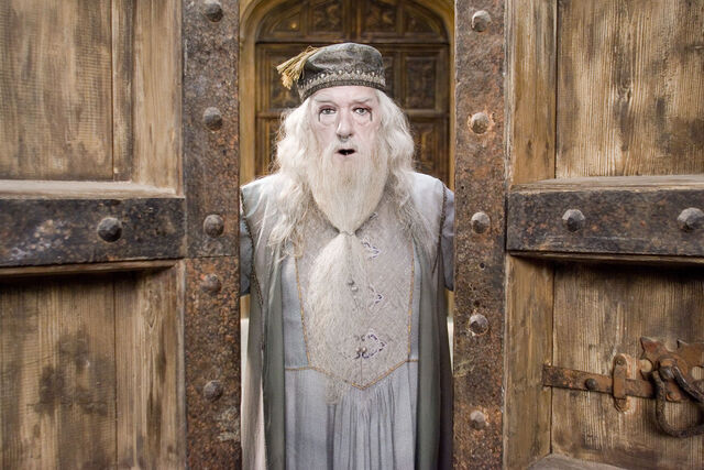 File:Dumbledore mit gothic makup by mystique019.jpg