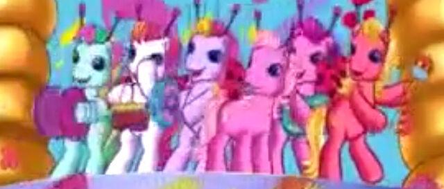 File:PinkiePie'sActualBand.jpg