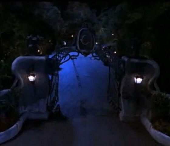 File:Casanova Frankenstein's front gate.jpg