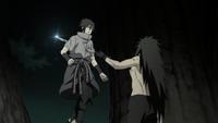 Madara stabs Sasuke1