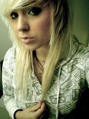 Blonde Emo Hairstyles For Emo Girls4