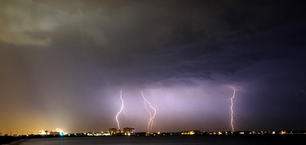 File:Lightning wunder photo 3.png