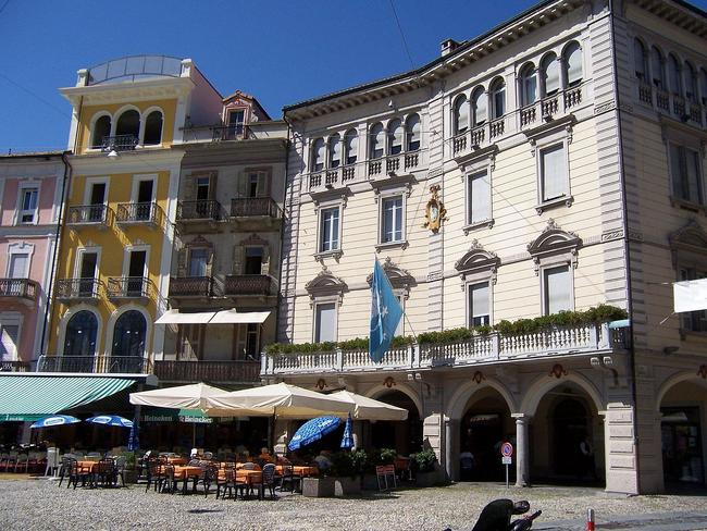 Boguestown plaza