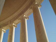 Lovia - Thomas Jefferson Park - 800px-Washington Jefferson Memorial3