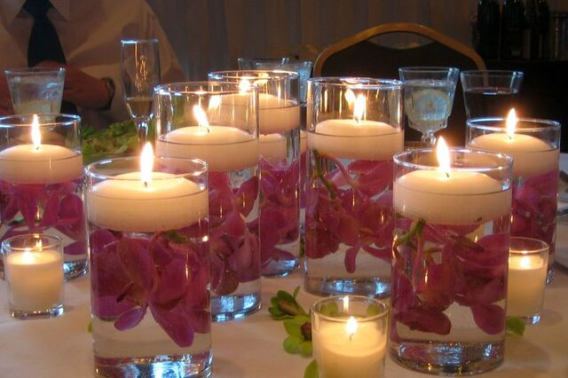 File:Candles & Candles - 800px-Floating wedding candles.jpg