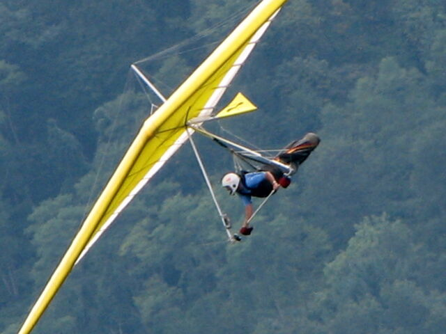 File:Hang glider.jpg