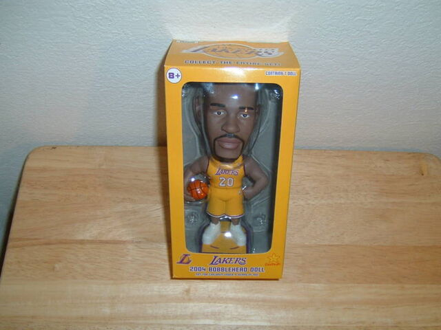File:Gary Payton Lakers 2004 Bobblehead.JPG
