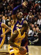 LeBron James vs. Kobe Bryant (24848589252)