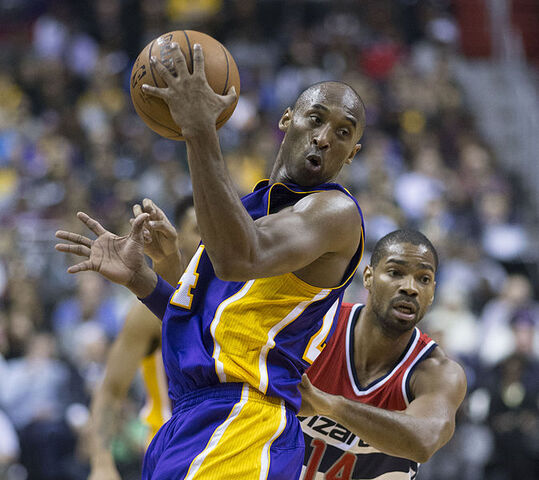 File:Kobe Bryant vs Gary Neal.jpg