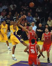 640px-Kobe Bryant Shane Battier