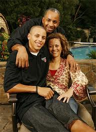 File:Steph curry mom and dad what.jpg