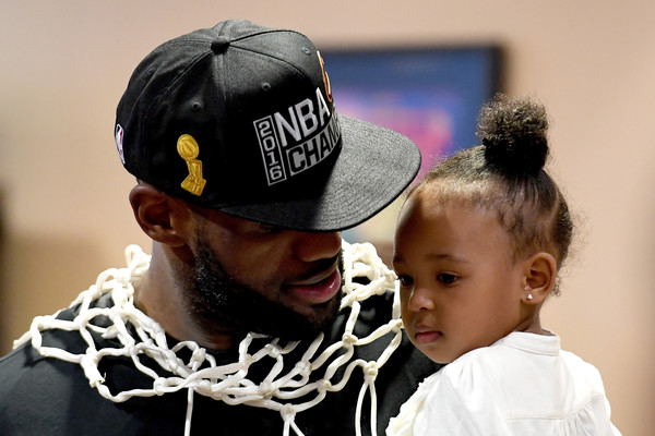 File:2016+NBA+Finals+Game+Seven+Gjw2pWsL9-Rl.jpg