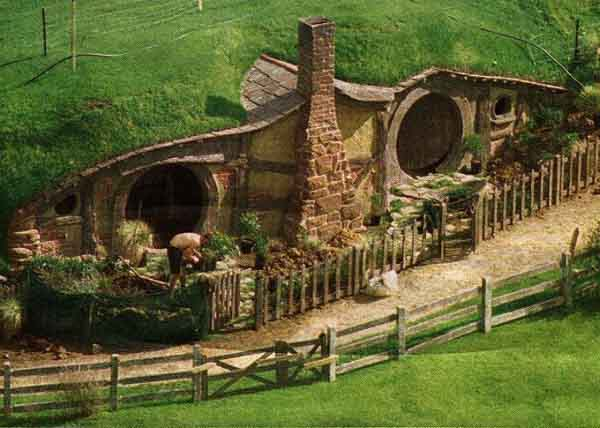 File:Hobbit holes.png