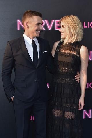 File:Dave & Emma 2.jpg