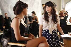 Zooey-deschanel- Episode-Still-25