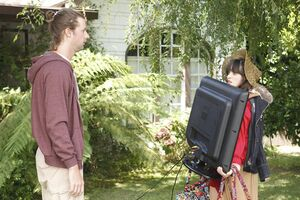 Zooey-deschanel- Episode-Still-12