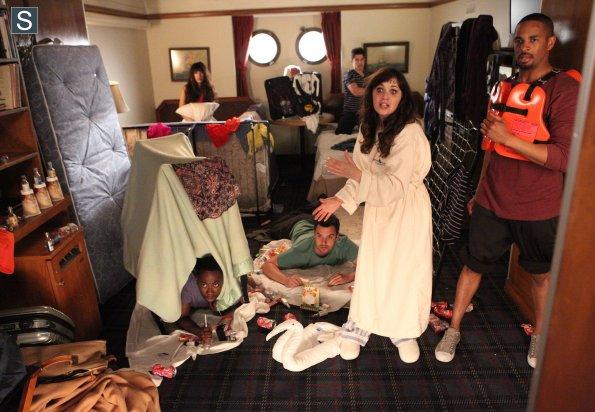 File:New Girl - Episode 3.23 - Cruise (2) 595 slogo.jpg