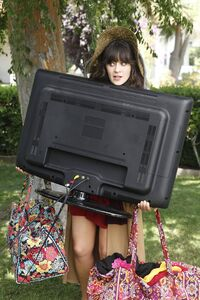 Zooey-deschanel- Episode-Still-11