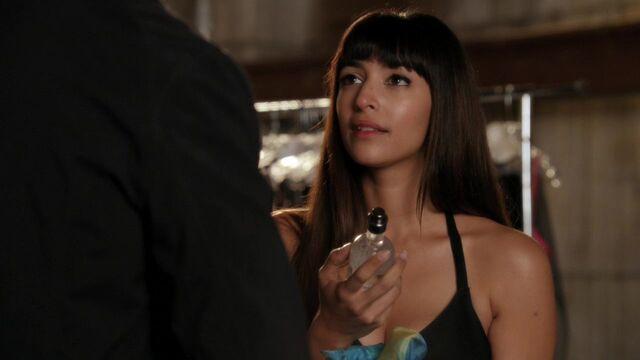 File:New Girl 1x09 (397).jpg