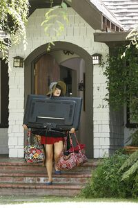 Zooey-deschanel- Episode-Still-13