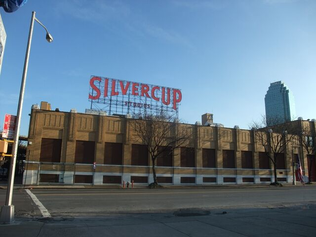 File:Silvercup-Studios.JPG