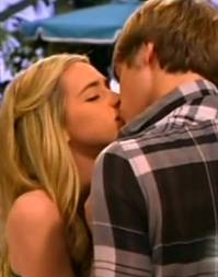 File:Jendall kiss 1.jpeg