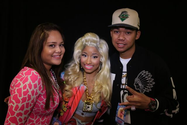 File:MeetAndGreet Melbourne Nicki Barbz.jpg