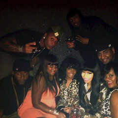 Nicki with her friends!!!!