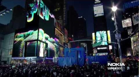 Nokia Lumia 900 Live in Times Square - Nicki Minaj Starships (Doorly Remix)